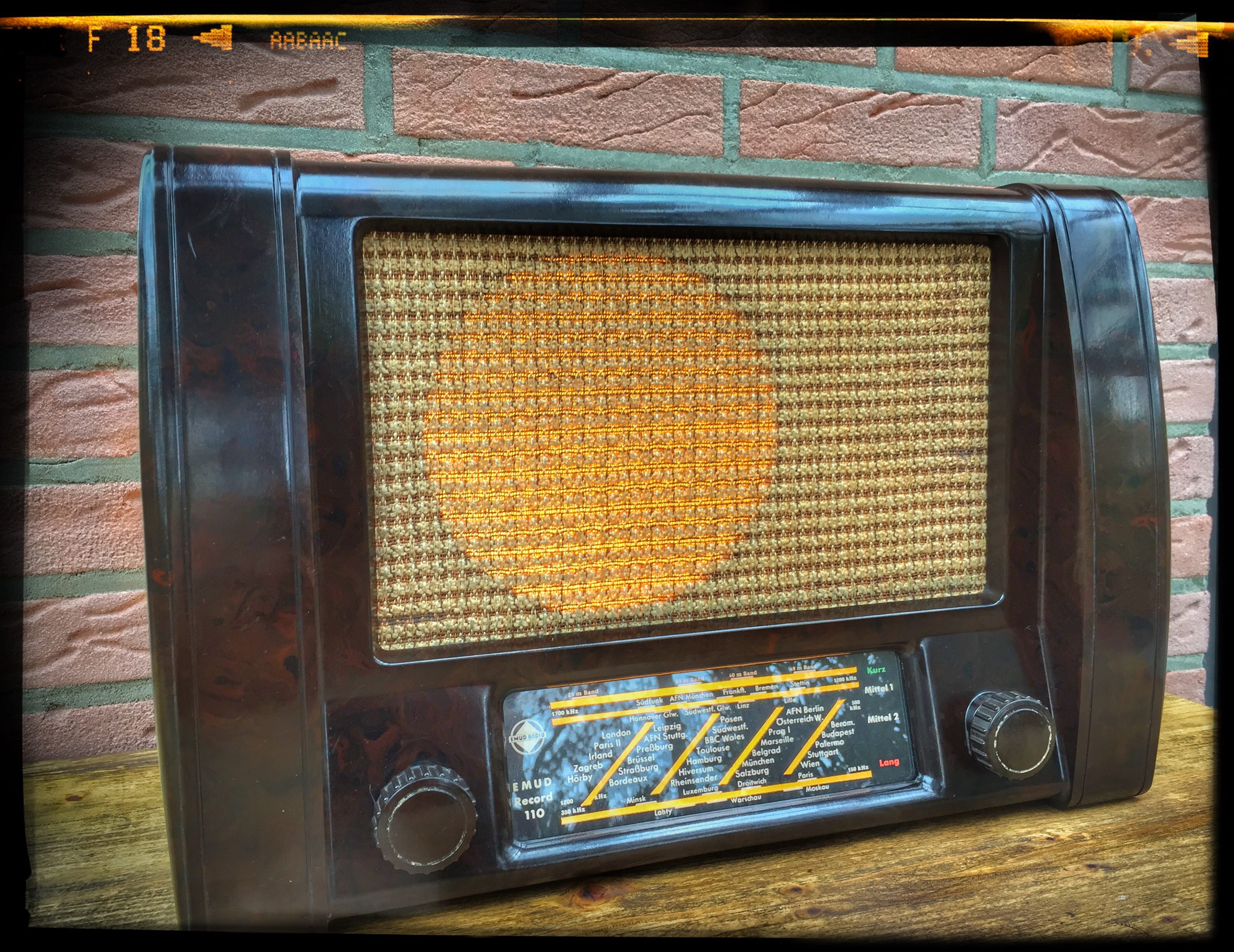 1950er Jahre Bakelit Röhrenradio zur Lampe umgebaut