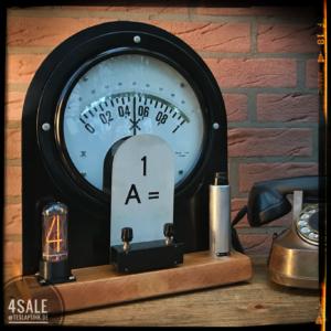 IN-18 Nixie Uhr mit riesigem Amperemeter als Sekundenzeiger